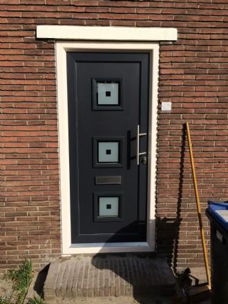 Kunststof voordeur met kunststofkozijn