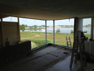 Verbouwing Sneek balkon bij woonkamer betrokken